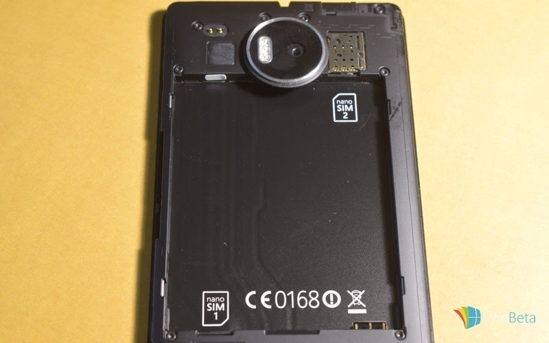 Lumia-950-XL-dual-SIM-back-close